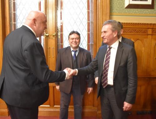 Günther Oettinger költségvetési felelős uniós biztos látogatása
