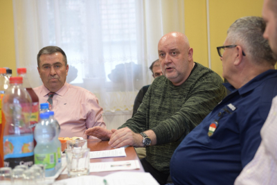 Képviselő-testületi ülésen vettem ma részt Tiszabecsen.